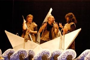 ulisse ed i suoi compagni affrontano il lungo viaggio per tornare ad Itaca